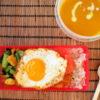 ささみと小松菜のスパイス炒めとスープ弁