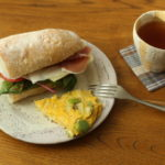 サンドイッチとフリッタータ